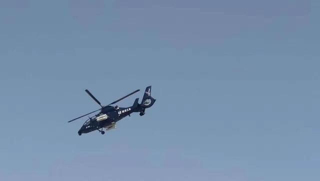"""中国直19E""""鸢 """"军贸直升机成功首飞"""