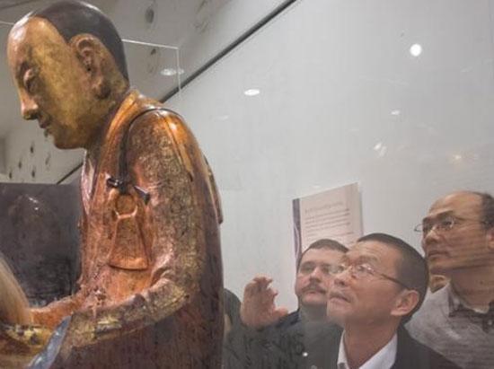 荷藏家首度回应 只字不提坐佛所有权争议