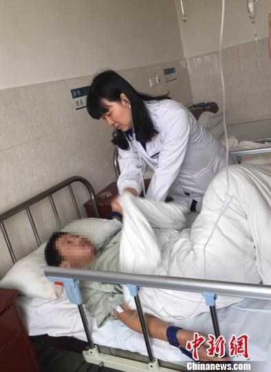 """湖南一29岁小伙因饮酒患病""""退化成婴儿"""""""
