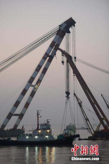 长江沉船事故失踪1人遗体找到 确认22人遇难