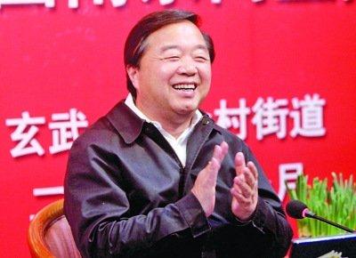 南京市长:对枪击劫案很纠结 希望给警方些时间