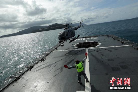 澳大利亚军方派遣军机 加入亚航失联客机搜寻