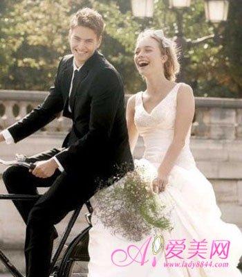 """10大最完美求婚方式 绝对回应""""Yes,I do"""""""