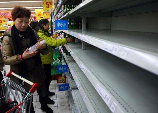 警方微博回应:江阴发生化学品船沉没纯属造谣