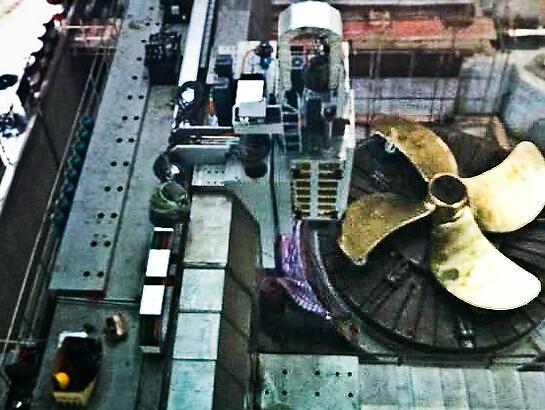 中国研成世界最大螺旋桨加工机床 成功试切削