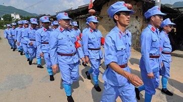 福建党校学员穿红军装下乡体验