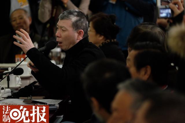 冯小刚委员建议恢复部分繁体字