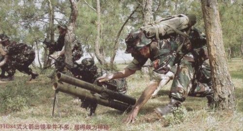 独具中国特色 界唯一的化学火箭炮化学火箭炮