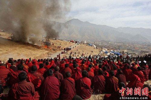 青海省民政厅解释藏族遇难者火葬原因