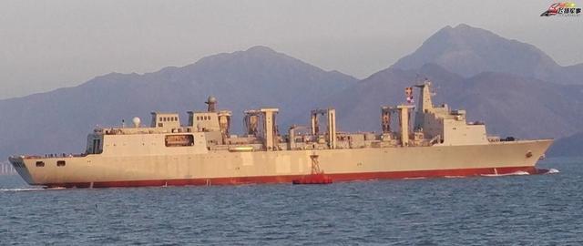 中国航母超级奶妈试航 补全战斗群最后短板 (图)