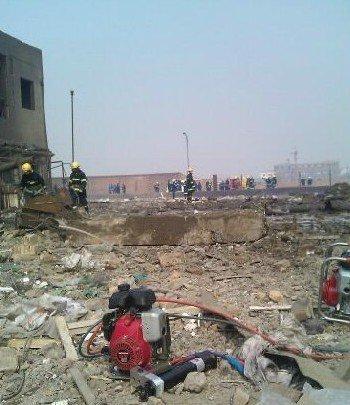河北赵县一化工厂发生爆炸 整个车间被炸平