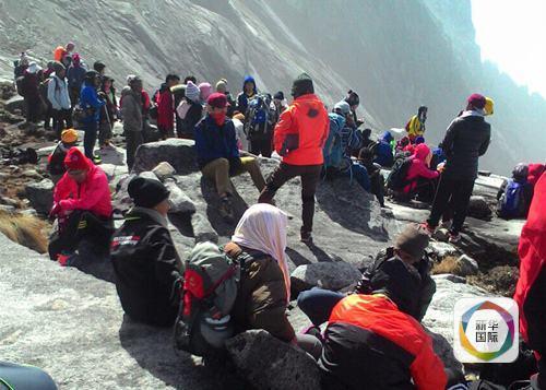 马来西亚沙巴州发生地震 上百登山者被困