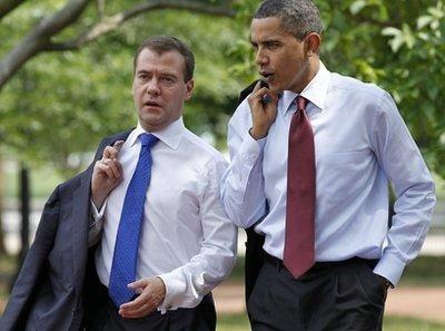 奥巴马带梅德韦杰夫吃汉堡 周围顾客淡定(图)