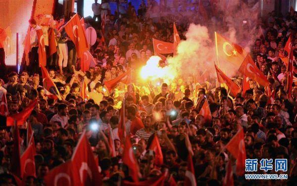 埃尔多安警告北约:不要庇护参与政变土耳其军人