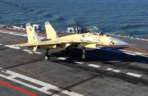 舰载机试验总指挥:歼15着舰经数千架次训练
