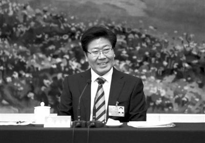张春贤回应暴力事件:对恐怖分子不能施仁政