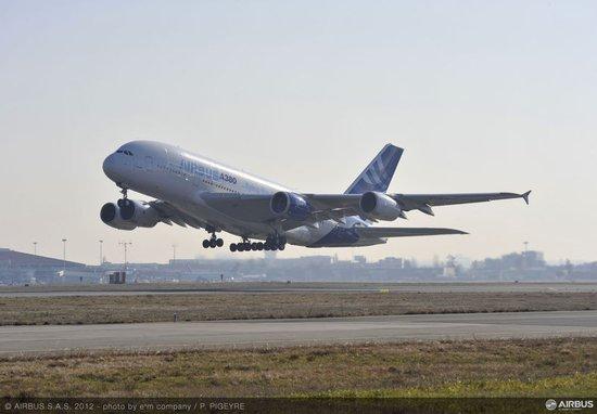 空客a350xwb客机发动机完成首次飞行测试(图)图片
