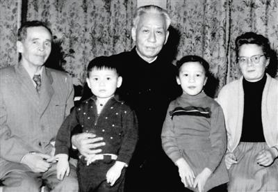 刘少奇俄罗斯长孙:红三代的身份让我有负担