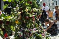 高清:挪威降半旗向遇难者致哀 首批葬礼举行