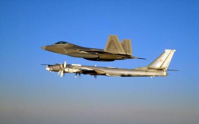 美国前高官:美应对俄轰炸机巡航保持警觉