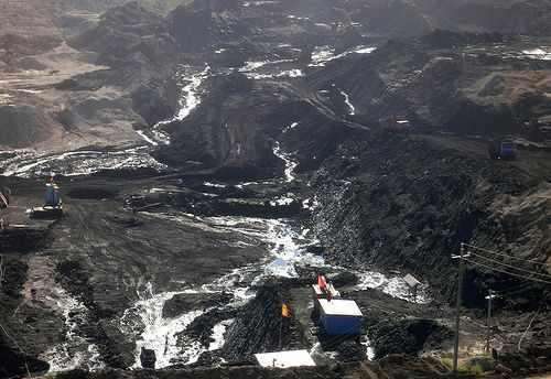 2012年蒙古国gdp_高度依赖矿业投资蒙古国爆发货币危机