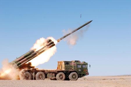 动态远程火箭炮发射图片_