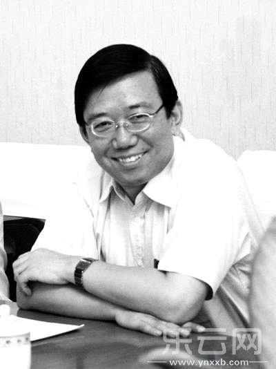 四川原副书记李春城被曝逼他人辞职帮妻子上位