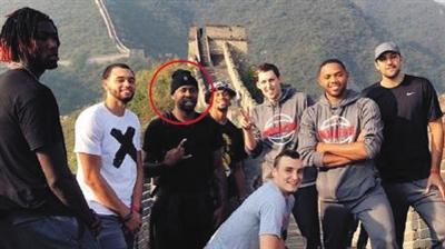 NBA球员长城刻名字遭批 景区称只能进行劝阻