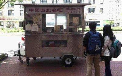 高清图—洛阳男子谢云峰纽约哥伦比亚大学卖肉夹馍 日赚800美元