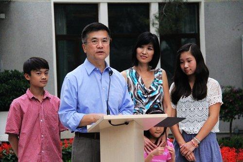 骆家辉:全球政府与人民都质疑中国崛起意图