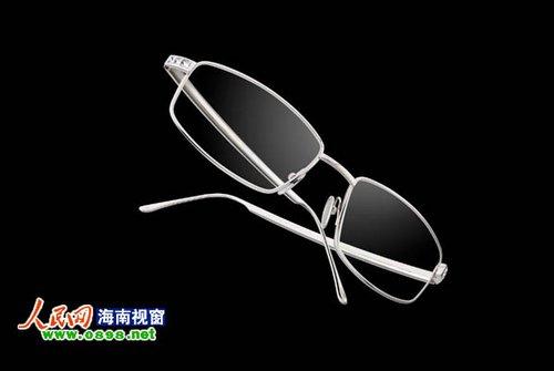 专注手工制作,重视价值传承,并已发展成为国际顶级珠宝眼镜品牌,广获