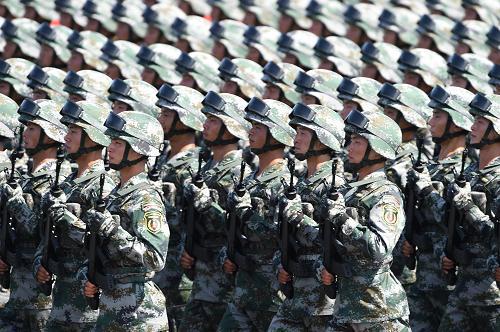 100多个品种服装服饰在胜利日阅兵中首次亮相