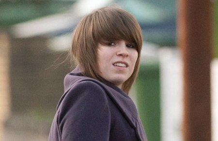 英国一女孩假扮男孩诱骗性侵未成年少女(图)