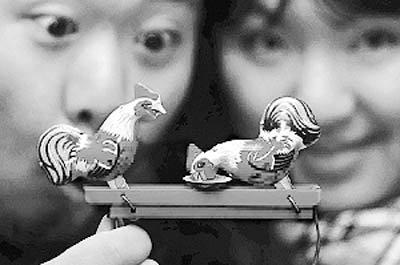 80后夫妻建铁皮玩具收藏馆 藏品超1500件(图)