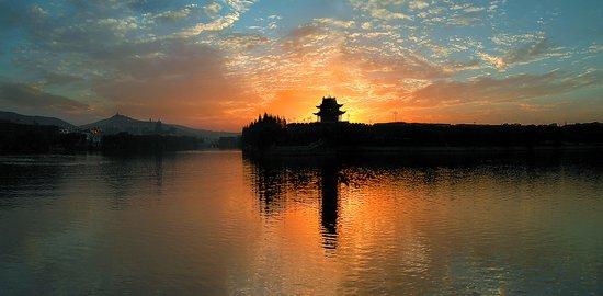 华夏城池歌 襄阳好风日