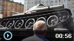 俄罗斯坦克阅兵式上翻车
