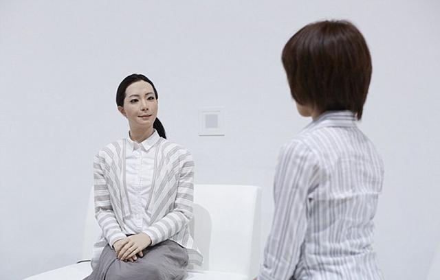 超仿真机器人日本走红 或被塑造为大众偶像
