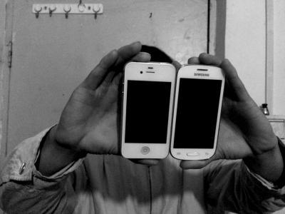 老师带12岁女生3个月开房9次 送2部手机方便联系