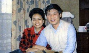 这是1989年9月,习近平和彭丽媛合影。