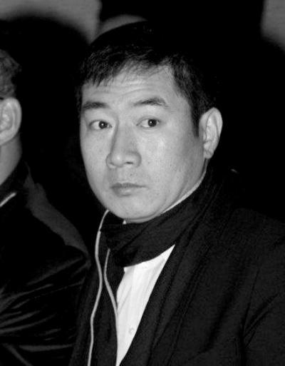 歌手陈红遭前夫起诉索要股权 否认现役军人经商
