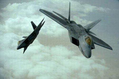 外媒:美军将F-22调入卡塔尔基地应对叙利亚