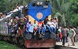 孟加拉国开斋节交通全面超载