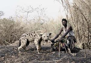 彼得·雨果《鬣狗与人》