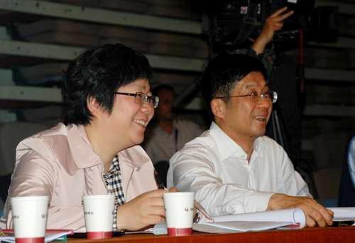 安徽广电原台长涉贪千万受审 知名歌手向其送钱