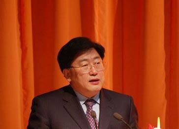 陈铁新曾邀请谭晶任宣传片主唱 亲自操刀填词