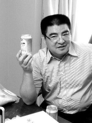 陈光标开卖2万罐空气 称愿捐钱捍卫钓鱼岛