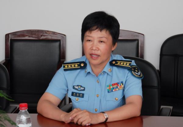 程晓健任西部战区空军副参谋长 系空军首位女师长