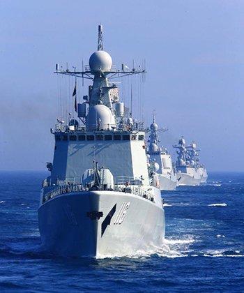 中国舰队首次绕日本航行一周