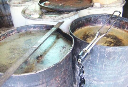 台湾查出约200吨地沟油流入市面吃下肚