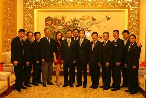 香港中联办_香港中联办副主任会见国民党新生代人士参访团